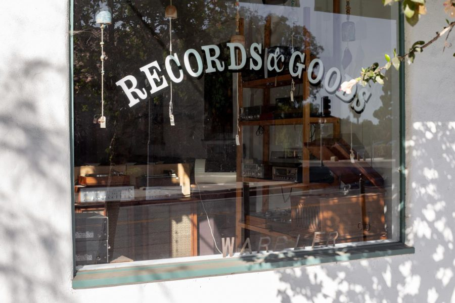Warbler+Records+is+a+hole-in-the-wall-style+record+shop+on+De+La+Guerra+Street.