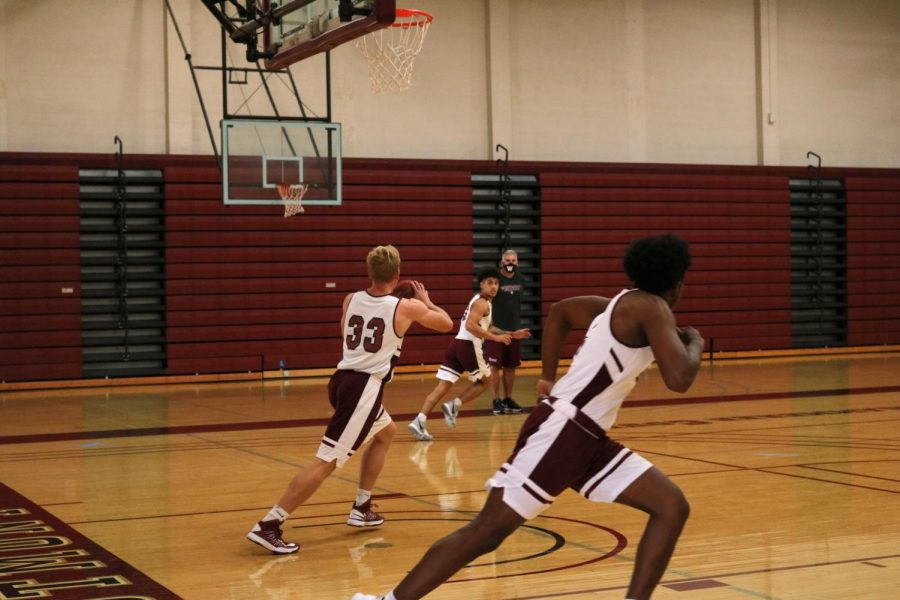 Westmont+Basketball+is+in+the+middle+of+their+season+while+other+sports+are+set+to+start+next+semester.